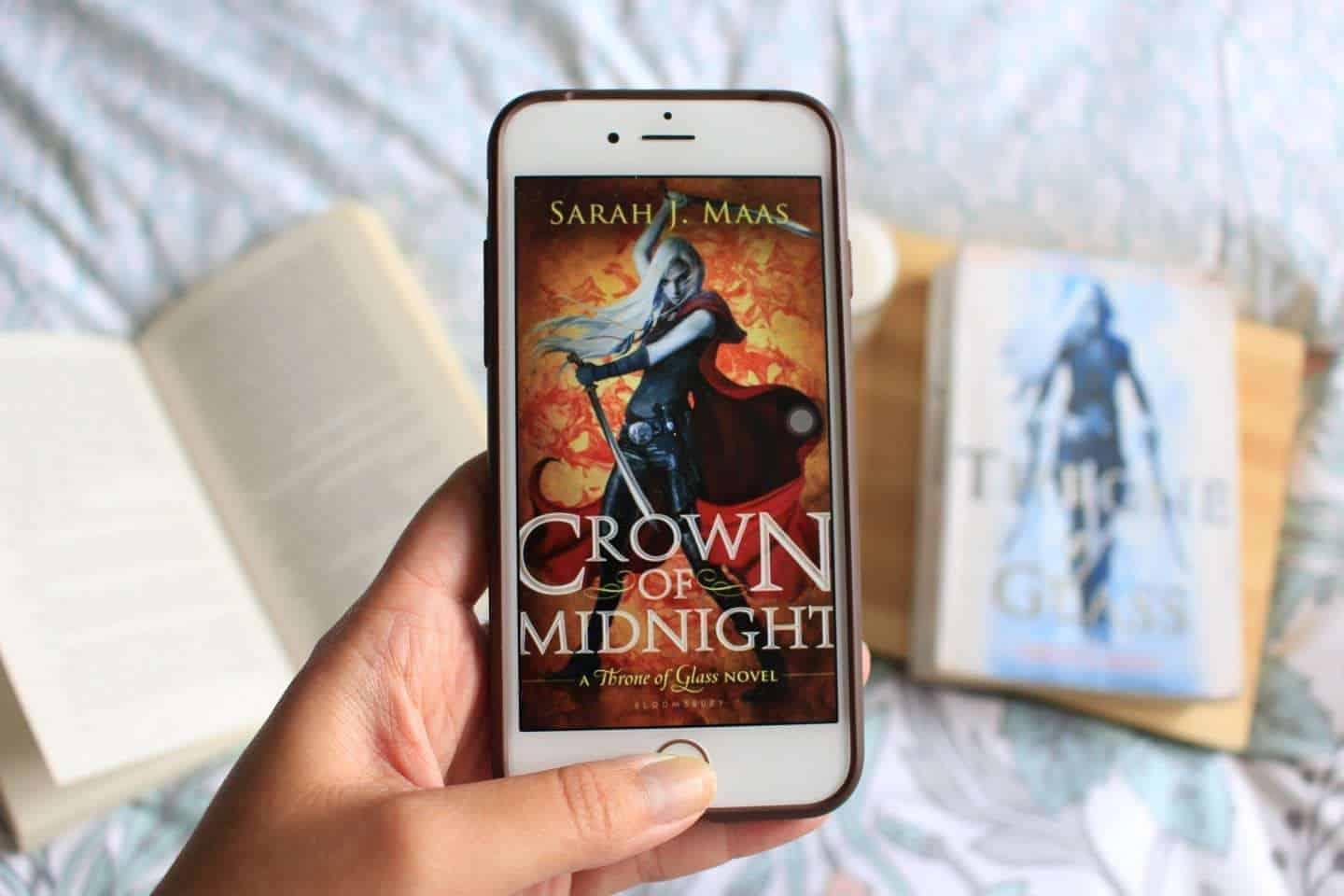 Crown Of Midnight Review: Plot Twist After Plot Twist