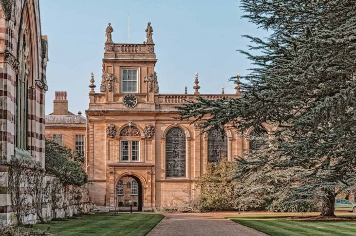10 Most Beautiful Colleges at Oxford University According to