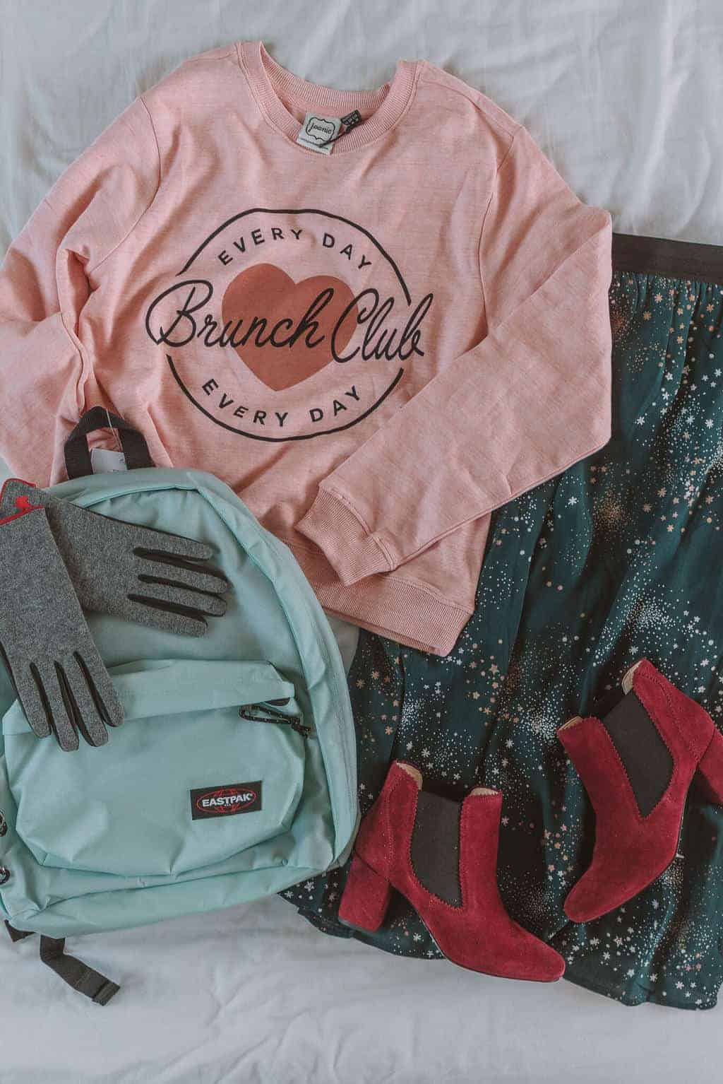 Fashion Flatlay - Christmas Gift Guide 2018: Brilliant Christmas Gift Ideas For Her #whatshotblog