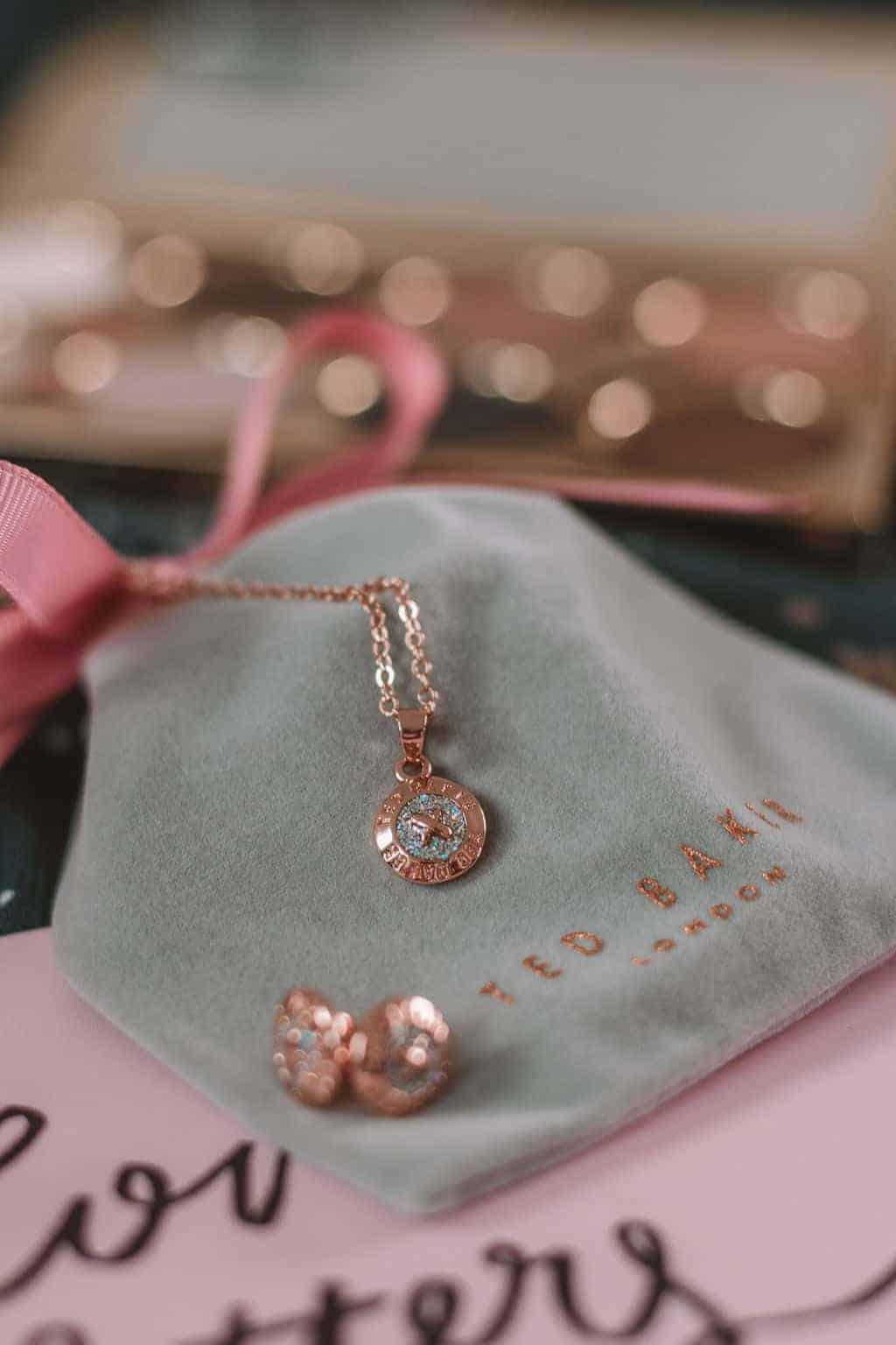 Ted Baker - Christmas Gift Guide 2018: Brilliant Christmas Gift Ideas For Her #whatshotblog