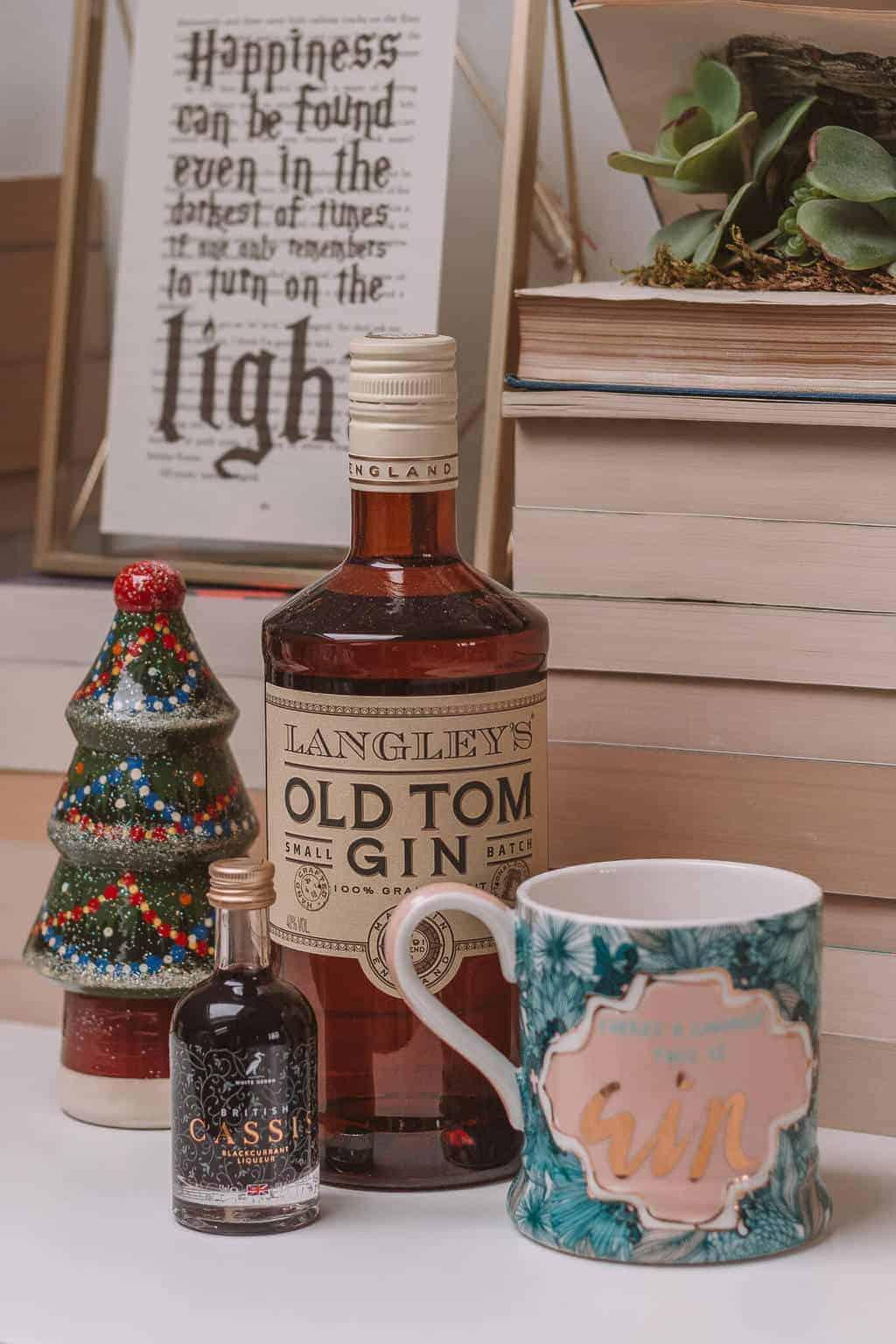 Gin - Christmas Gift Guide 2018: Brilliant Christmas Gift Ideas For Her #whatshotblog